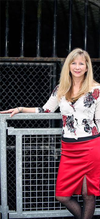 Donna Hutchins